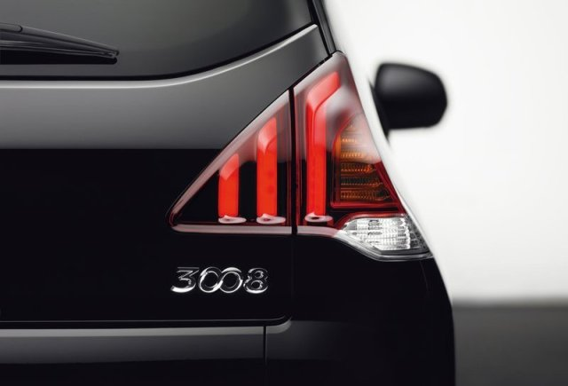Peugeot-3008_2014_800x600_wallpaper_18